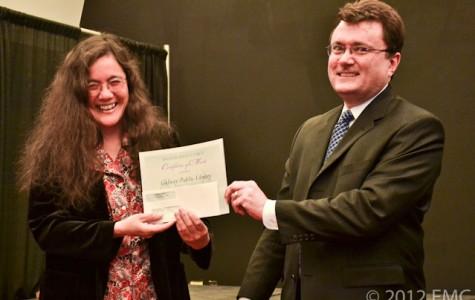 Regina Doi accepting award